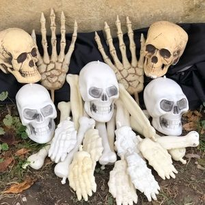 Halloween Plastic Skulls Bones Hands Lot of 26